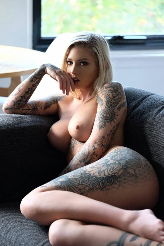 Watch Vicky Aisha Bath Blonde Striptease Big Ass