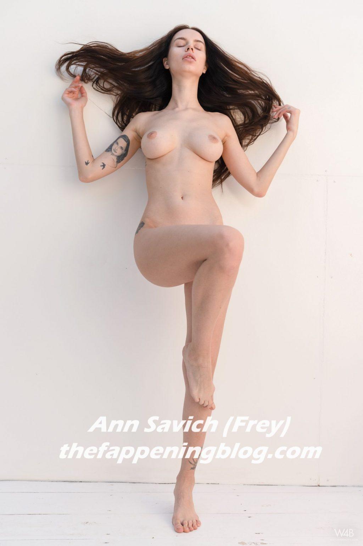 Nackt Ann Savich  Ann Savich