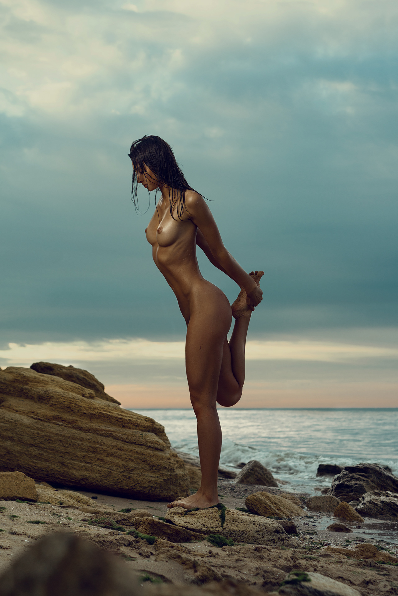 Alina Lee  nackt