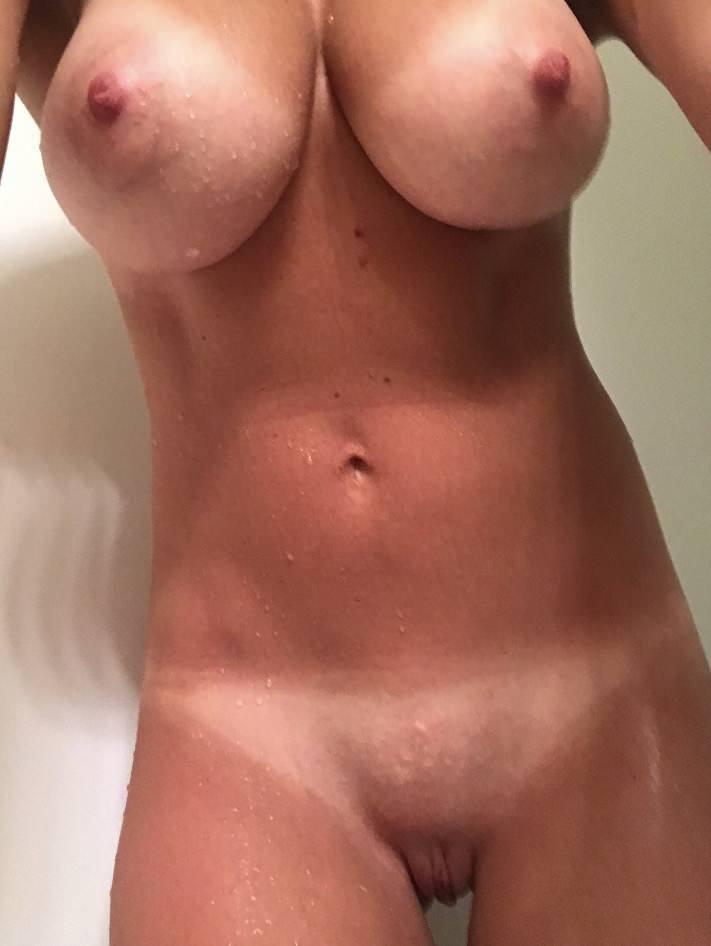 FitNakedGirls.com - Amateur igethimhard nude & fit