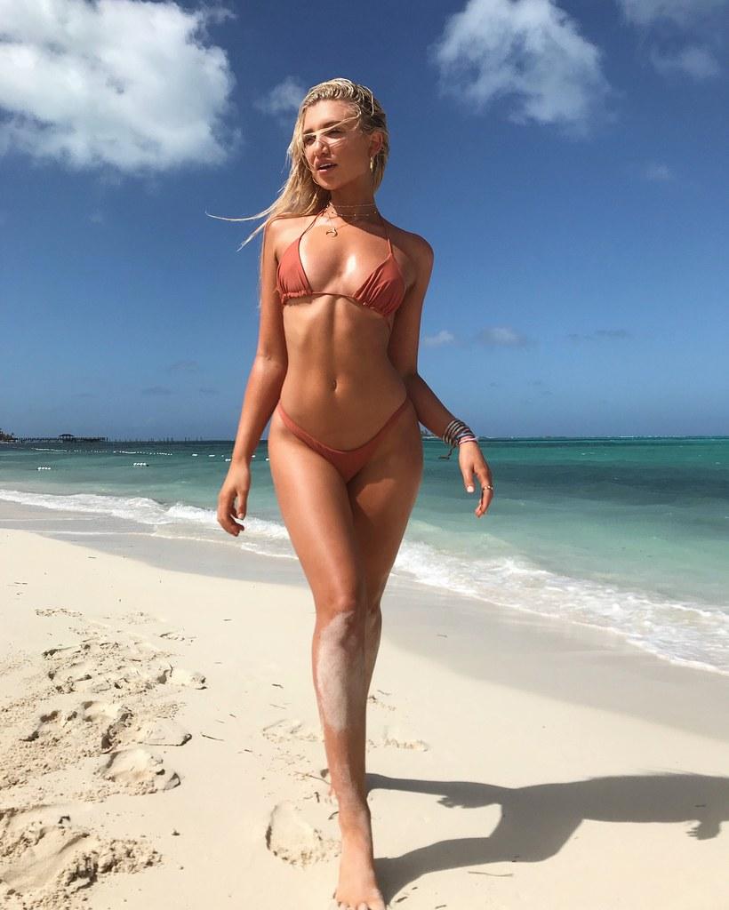 Nackt  Gabby Epstein Australian Model