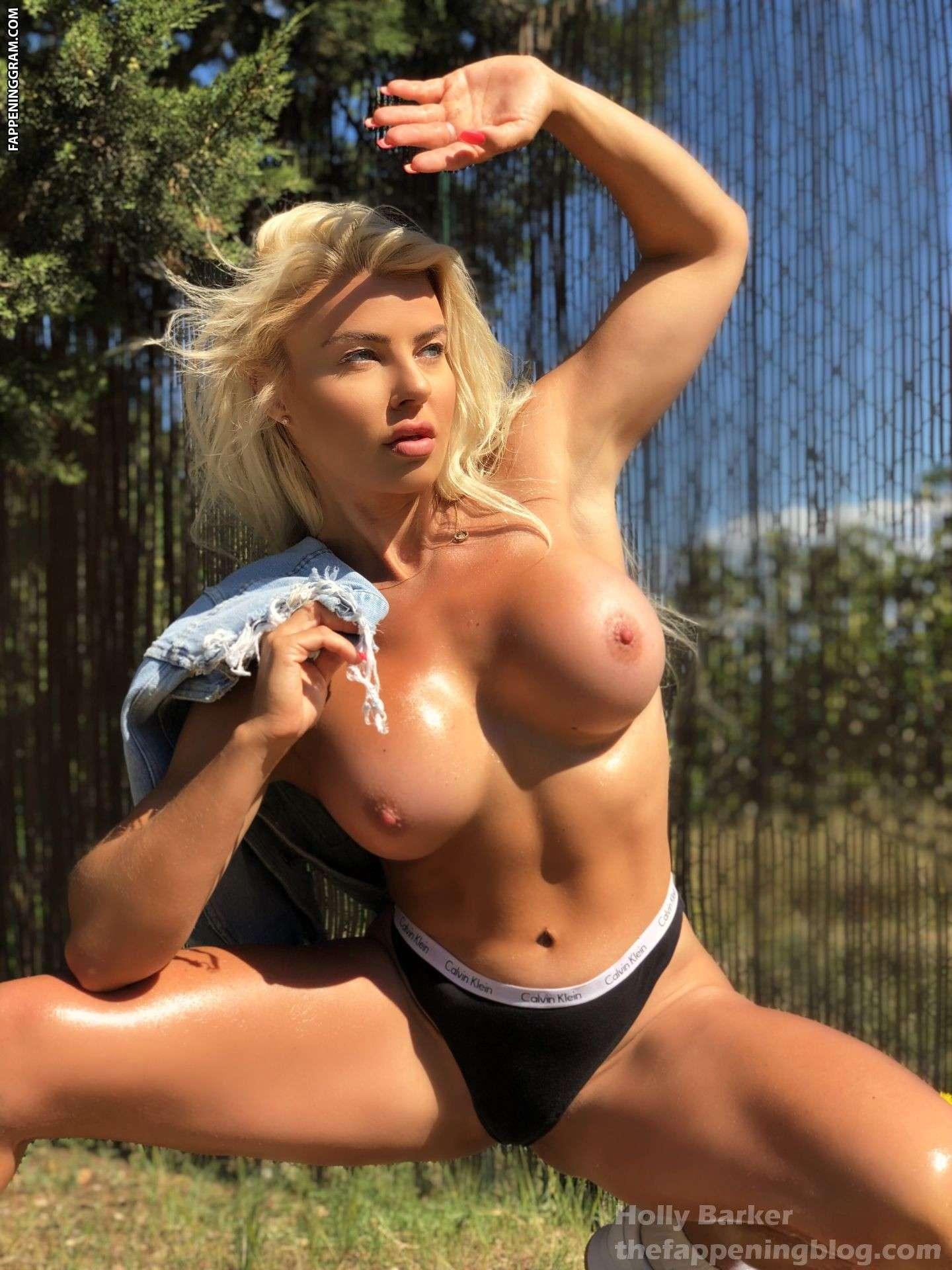 Sophie Barker  nackt