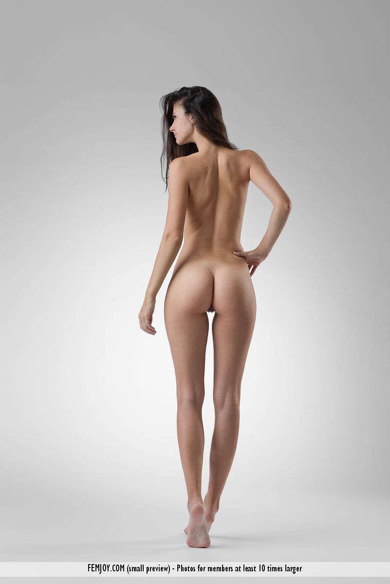 nackt Buys Lauren 60 Sexy