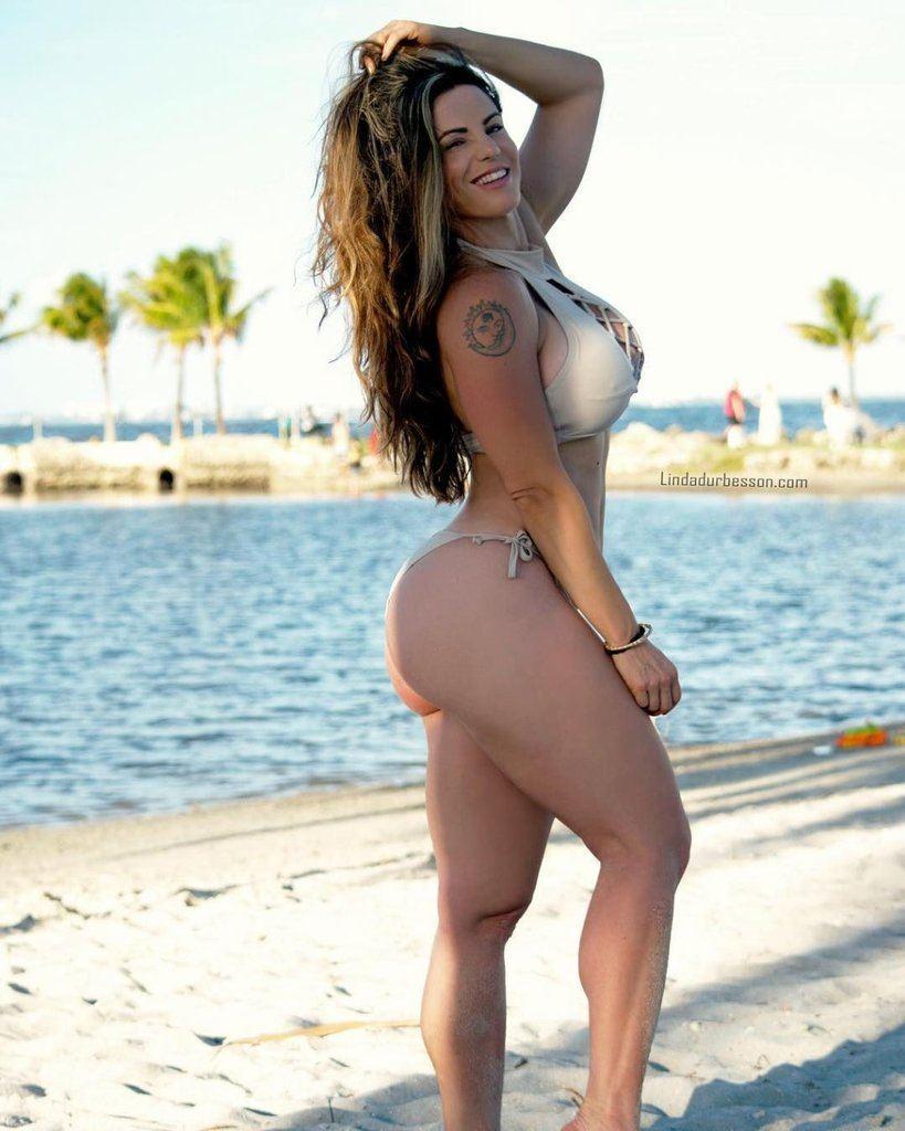 Linda Durbesson  nackt