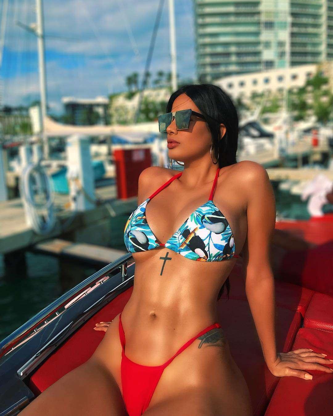 Nackt  Andreea Balaban Gabriela 41 Hottest