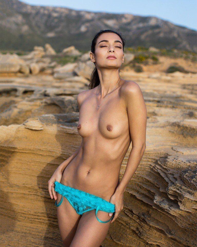 Naya Mamedova  nackt