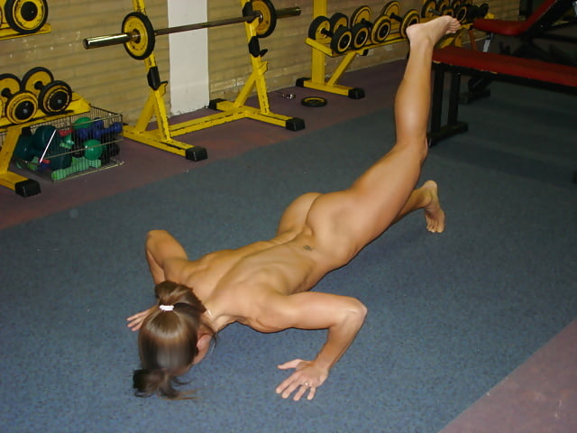 Sexy nude workout girl