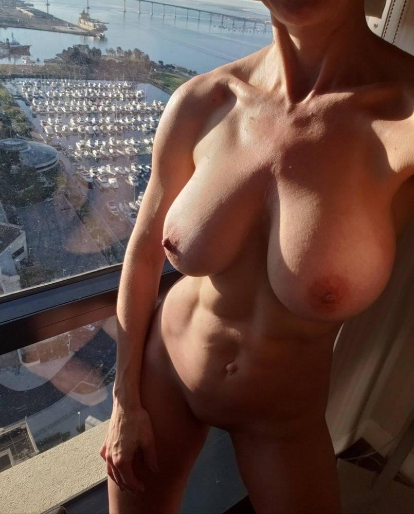 Milf amateur nude Stunning Amateur Milf Fitnudegirls Com
