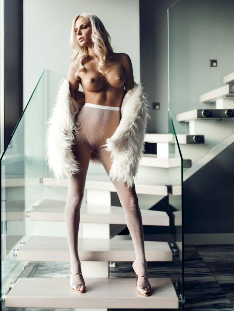 Liza Lapira Nude Pics Sexy Babes Naked Wallpaper