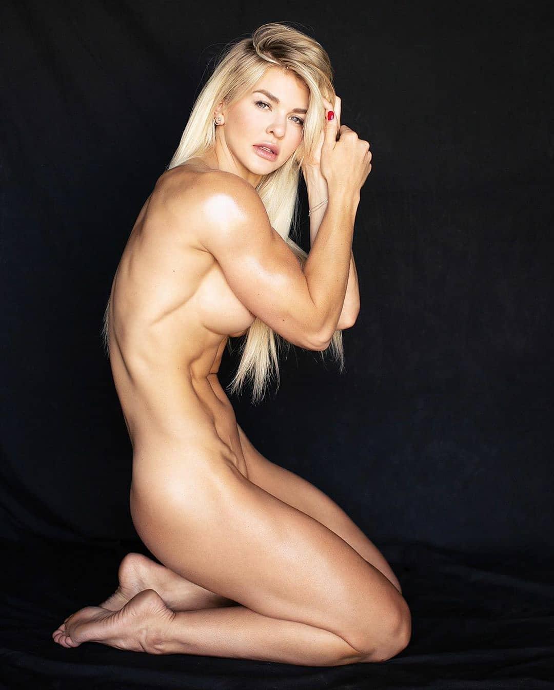 Brooke nackt Eva Eva LaRue